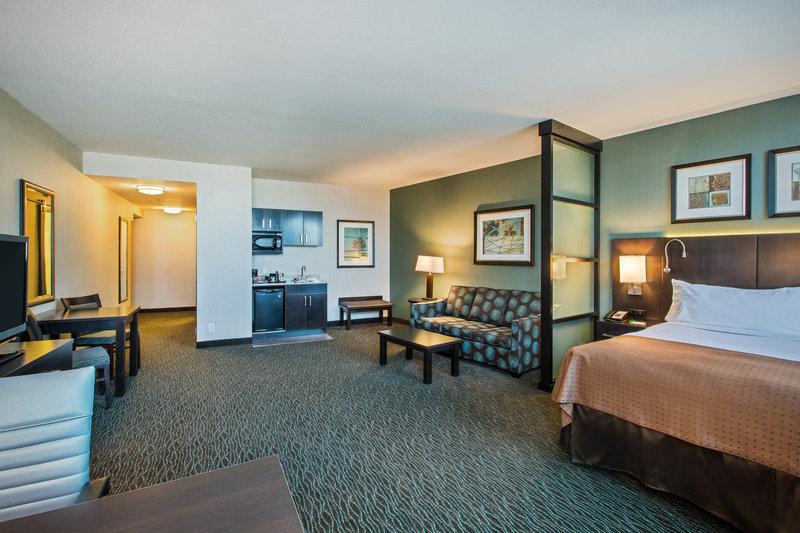 Holiday Inn Saskatoon Downtown-Suite<br/>Image from Leonardo