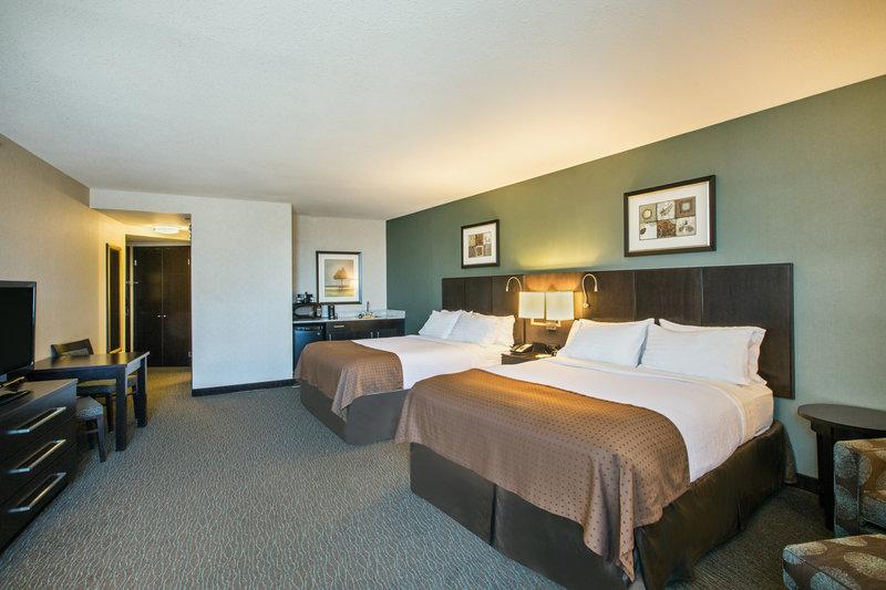 Holiday Inn Saskatoon Downtown-Two Queen Deluxe Corner Suite<br/>Image from Leonardo