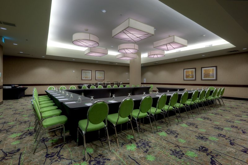 Holiday Inn Saskatoon Downtown-Seat up to 36 guests with a U-shape set up.<br/>Image from Leonardo
