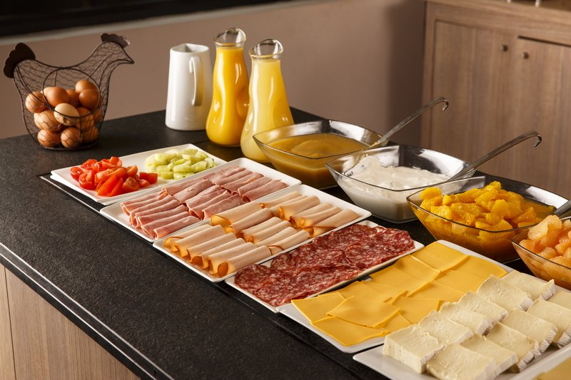 Holiday Inn Lyon Vaise-Enjoy our well-stocked Breakfast Buffet<br/>Image from Leonardo