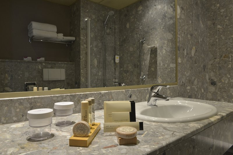 Crowne Plaza Toulouse-Bathroom Amenities<br/>Image from Leonardo