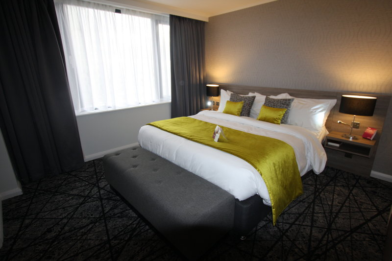 Crowne Plaza Liverpool City Centre-king size bed in our beautiful suite<br/>Image from Leonardo