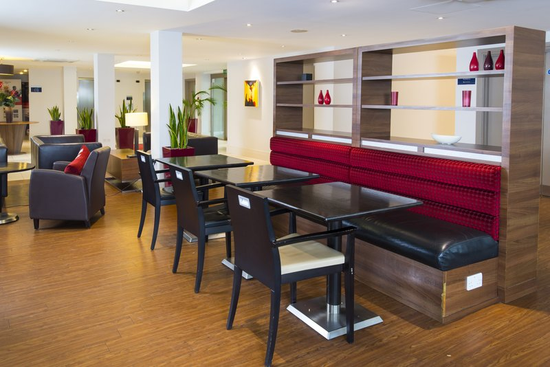 Holiday Inn Express Northampton M1, Jct.15-Tuck in to a tasty breakfast or evening meal in our lounge<br/>Image from Leonardo