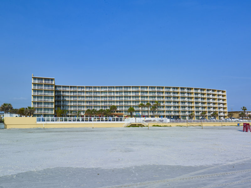 Holiday Inn Resort Daytona Beach Oceanfront-Our Hotel is located directly on the worlds most famous beach<br/>Image from Leonardo
