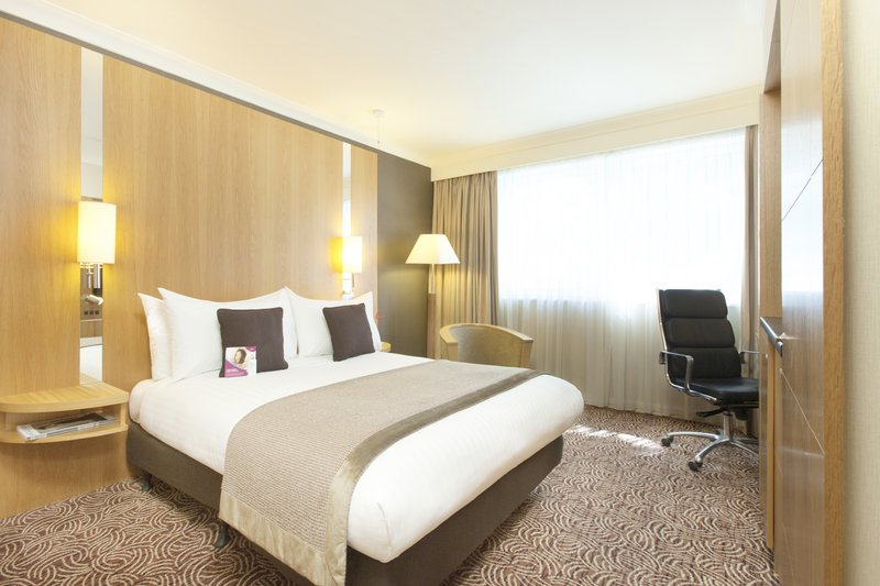 Crowne Plaza Reading-Crowne-Plaza-Reading-Standard-Accessible-Room<br/>Image from Leonardo