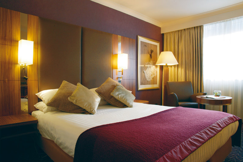 Crowne Plaza Reading-Club Room - Queen Bed<br/>Image from Leonardo