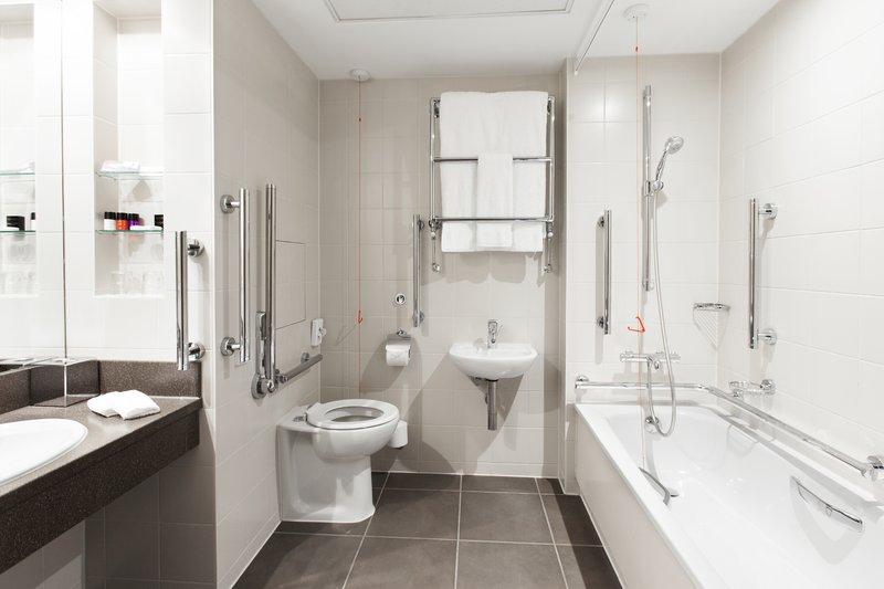 Crowne Plaza Reading-Crowne-Plaza-Reading-Standard-Accessible-Room-Bathroom<br/>Image from Leonardo