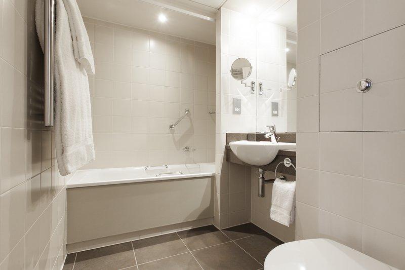 Crowne Plaza Reading-Crowne-Plaza-Reading-Family-Room-Bathroom<br/>Image from Leonardo