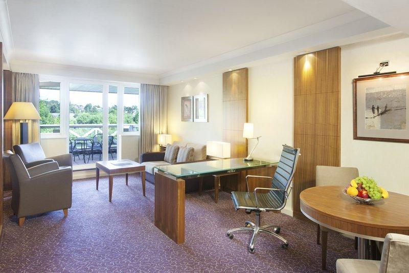 Crowne Plaza Reading-Crowne-Plaza-Reading-Club-Suite-Living-Room-Area<br/>Image from Leonardo