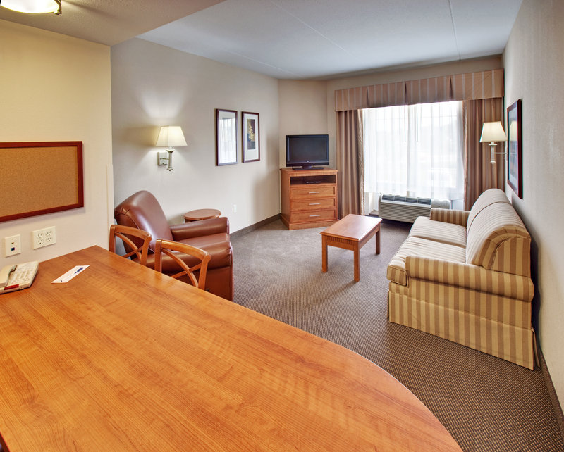 Candlewood Suites Omaha Airport-Suite<br/>Image from Leonardo
