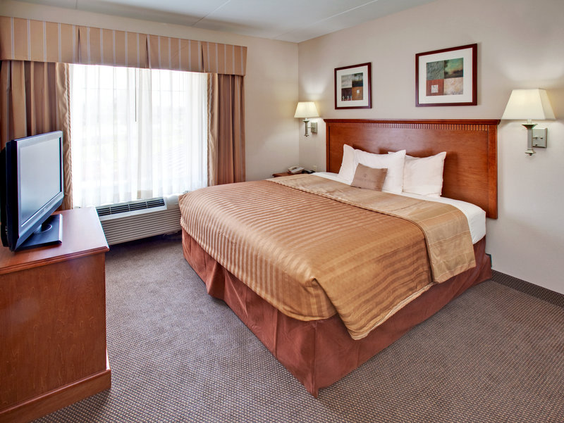 Candlewood Suites Omaha Airport-Single Bed Guest Room<br/>Image from Leonardo