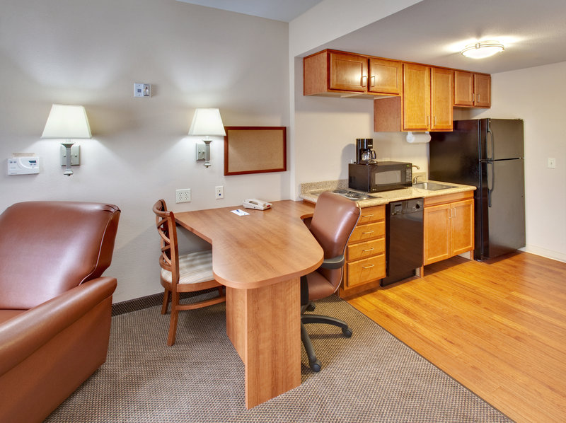 Candlewood Suites Omaha Airport-Guest Room<br/>Image from Leonardo