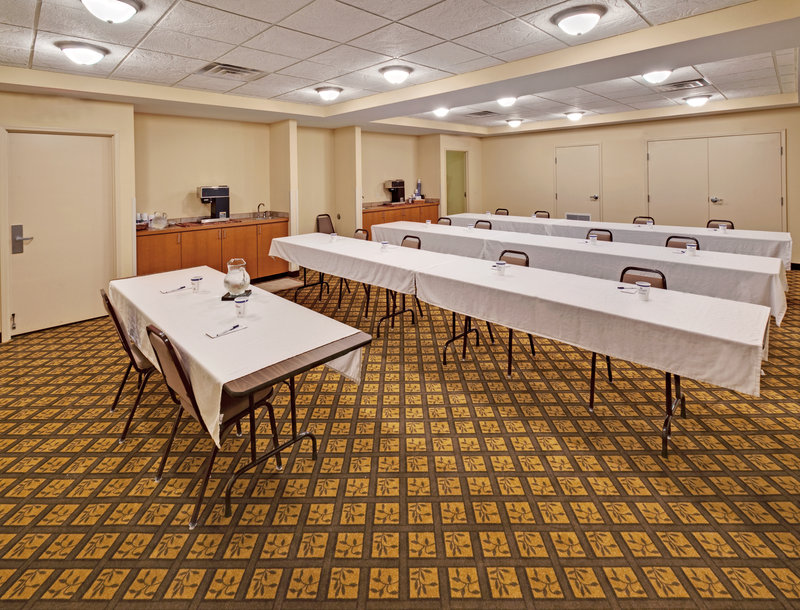 Candlewood Suites Omaha Airport-Meeting Room<br/>Image from Leonardo