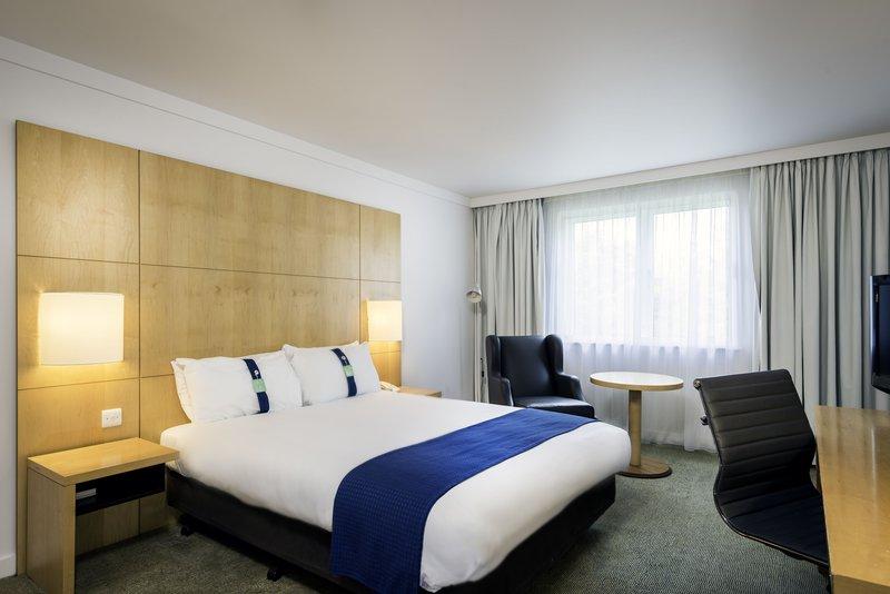Holiday Inn Oxford-Standard Double Room<br/>Image from Leonardo