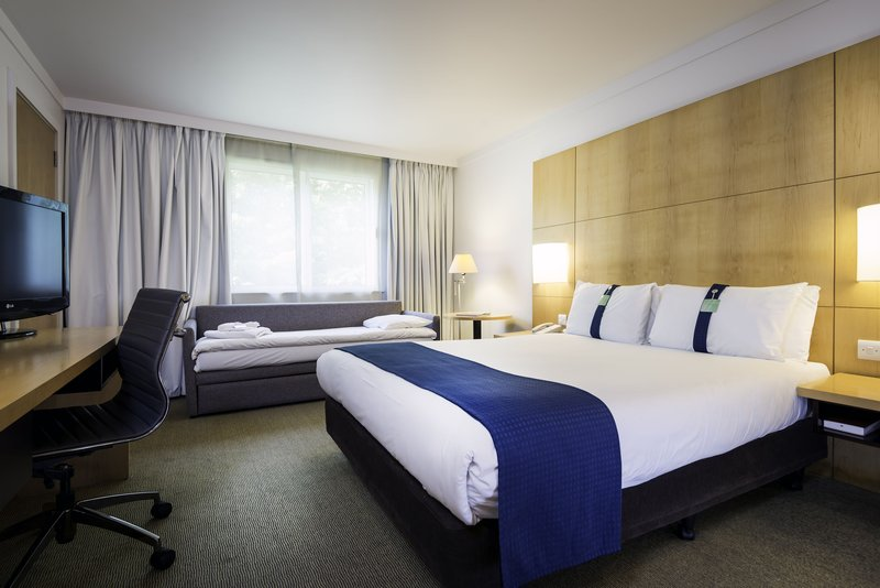 Holiday Inn Oxford-Standard Room with Single Sofa Bed<br/>Image from Leonardo