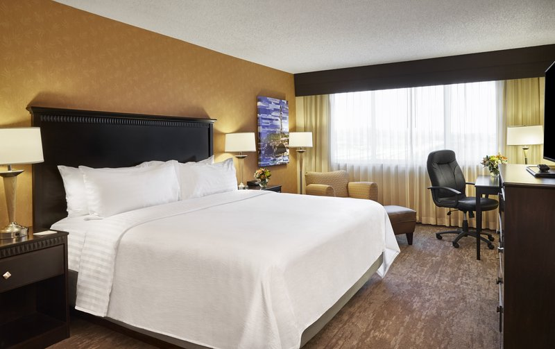 Holiday Inn Alexandria-Carlyle-Business travelers love our spacious King Rooms!<br/>Image from Leonardo
