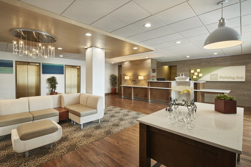 Holiday Inn Alexandria-Carlyle-Fresh and Vibrant Lobby<br/>Image from Leonardo
