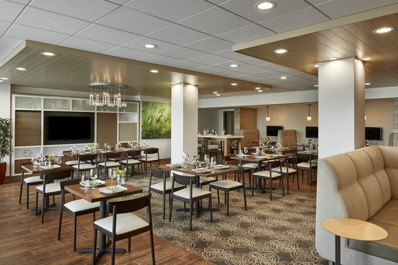 Holiday Inn Alexandria-Carlyle-Bistro Eighteen90 Serves Breakfast and Dinner.<br/>Image from Leonardo