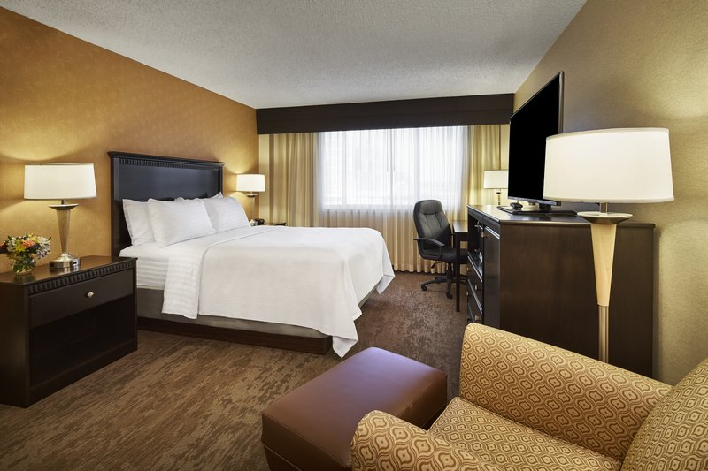 Holiday Inn Alexandria-Carlyle-Guest Room<br/>Image from Leonardo