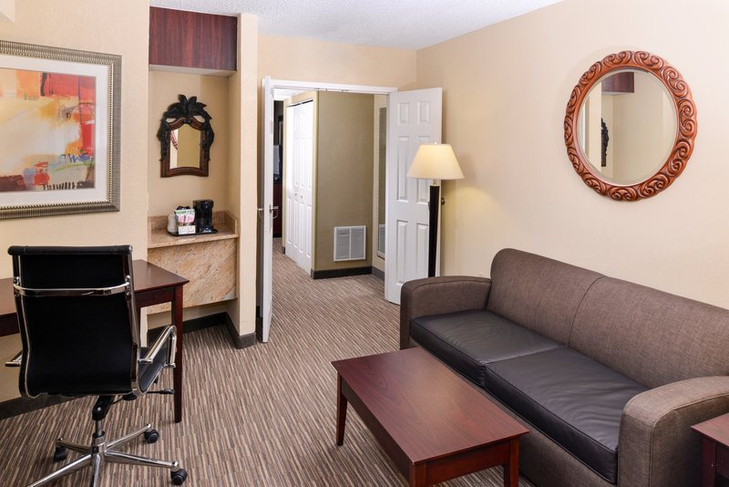 Holiday Inn Express Clearwater East - Icot Center-King Suite<br/>Image from Leonardo