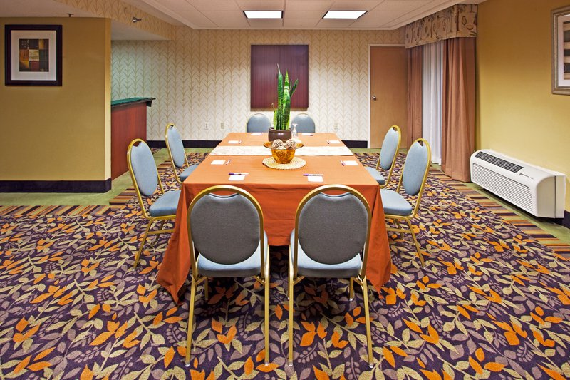 Holiday Inn Express Clearwater East - Icot Center-Spacious meeting room located on the 3rd floor with private bath <br/>Image from Leonardo