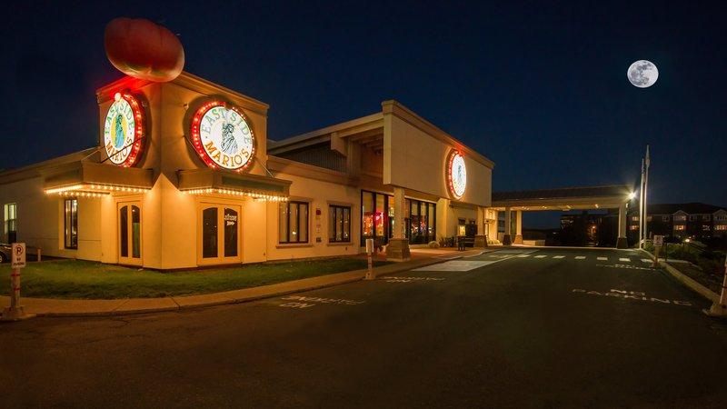 Holiday Inn St. John's Conference Centre-on site East Side Mario's restaurant<br/>Image from Leonardo