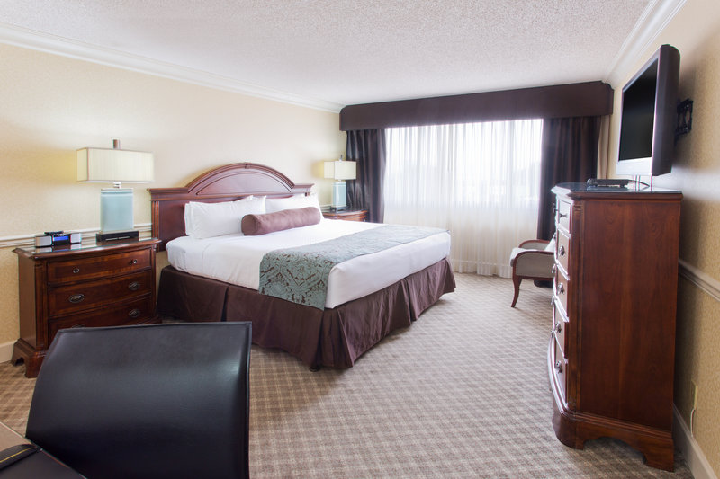 Crowne Plaza Portland-Downtown Conv Ctr-Presidential Suite<br/>Image from Leonardo