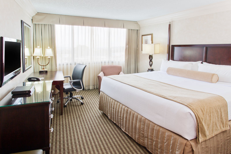 Crowne Plaza Portland-Downtown Conv Ctr-King Bed Guest Room<br/>Image from Leonardo