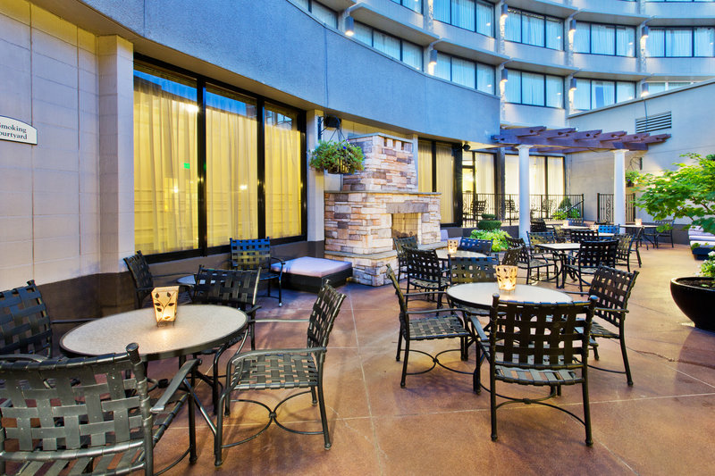 Crowne Plaza Portland-Downtown Conv Ctr-Fireside Plaza<br/>Image from Leonardo