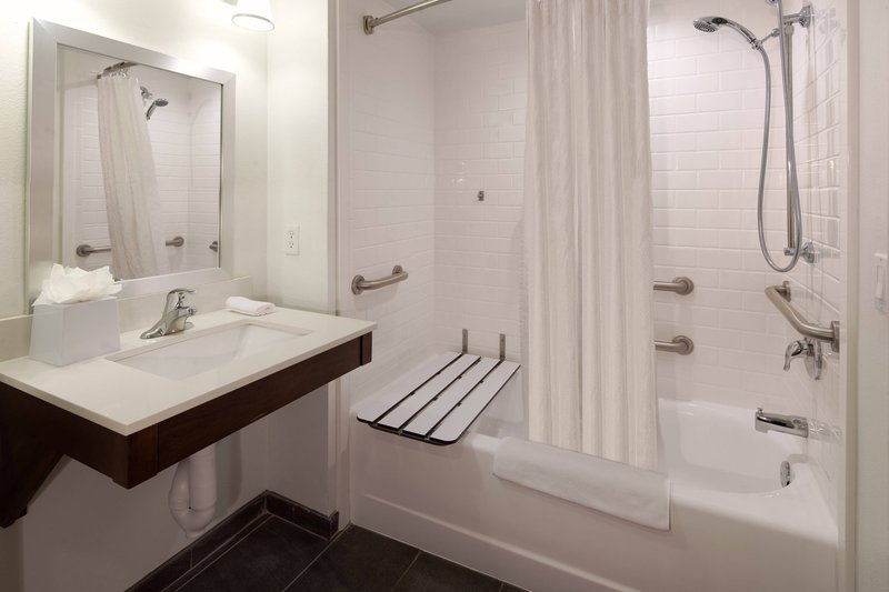 Four Points Cocoa Beach-Accessible Guest Room Bathroom - Bathtub<br/>Image from Leonardo