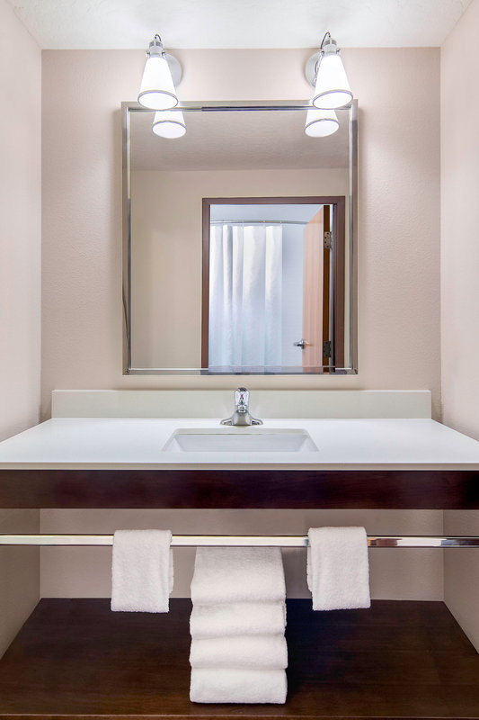 Four Points Cocoa Beach-Guest Room Bathroom Vanity<br/>Image from Leonardo