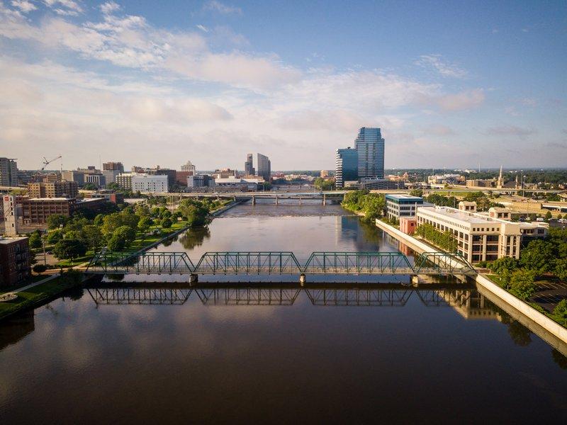 Holiday Inn Grand Rapids Downtown-Skyline of Grand Rapids featuring the Sixth Street Bridge.<br/>Image from Leonardo