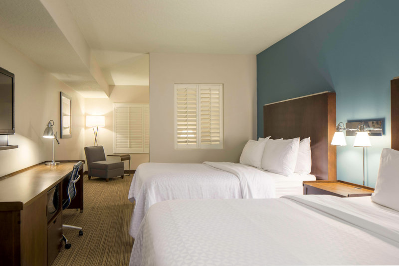 Four Points Cocoa Beach-Queen/Queen Junior Suite<br/>Image from Leonardo