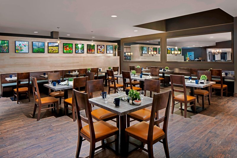 Four Points by Sheraton Anaheim-Tru Grits<br/>Image from Leonardo