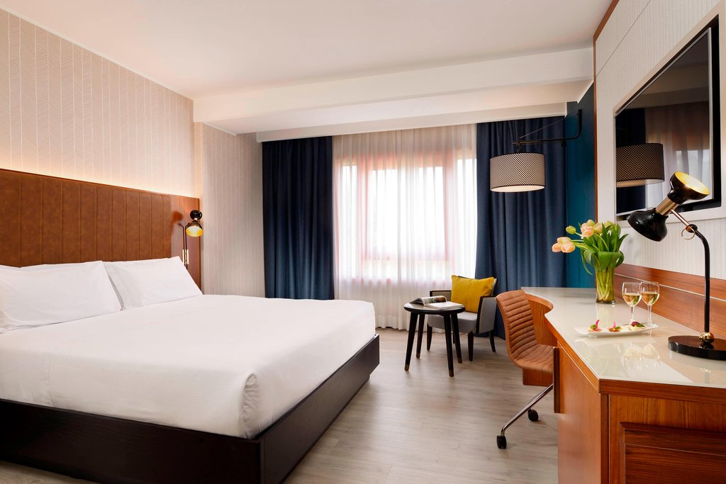 Four Points by Sheraton Siena-Double/Double Superior Guest Room<br/>Image from Leonardo