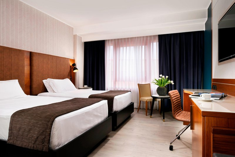 Four Points by Sheraton Siena-Twin Twin Guest Room<br/>Image from Leonardo