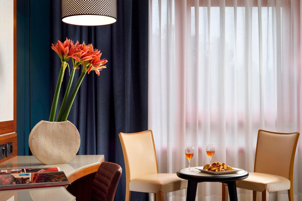 Four Points by Sheraton Siena-King Guest Room<br/>Image from Leonardo