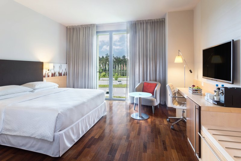 Four Points by Sheraton Ljubljana Mons-Queen Larger Guest Room<br/>Image from Leonardo
