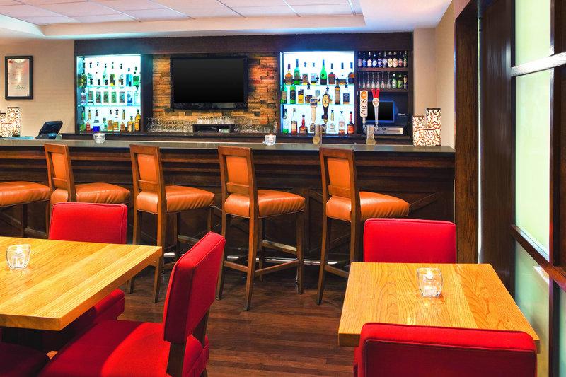 Four Points Philadelphia City Center-Cherry Lounge Bar<br/>Image from Leonardo