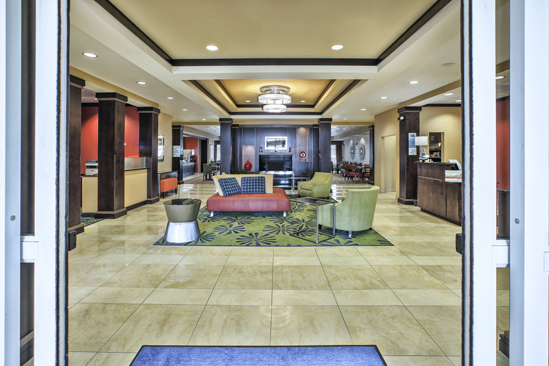 Holiday Inn Express & Suites Dayton South - I-675-Convenience store with all your overnight needs and snacks. <br/>Image from Leonardo