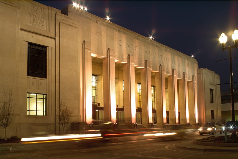 Holiday Inn Grand Rapids Downtown-DeVos Performance Hall, A 2404-seat performing arts theater.<br/>Image from Leonardo