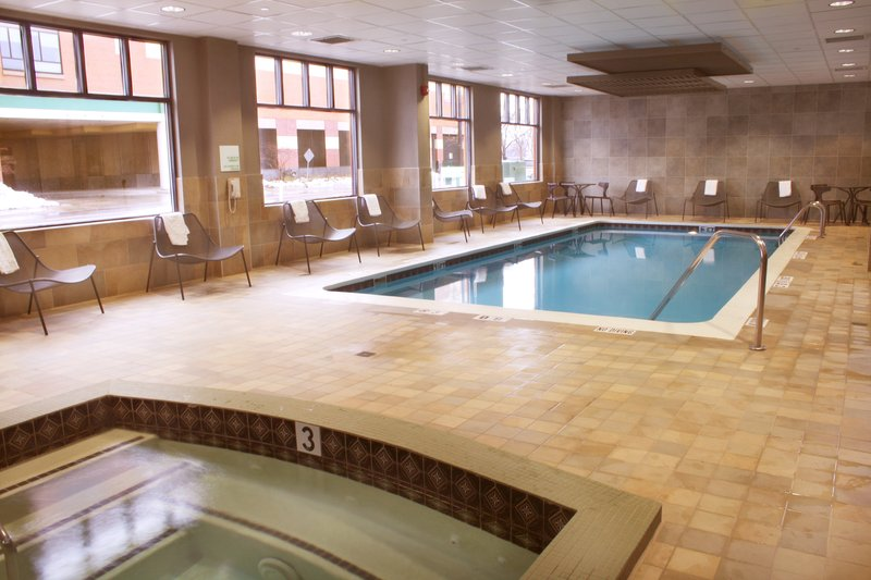 Holiday Inn Grand Rapids Downtown-Swimming Pool<br/>Image from Leonardo