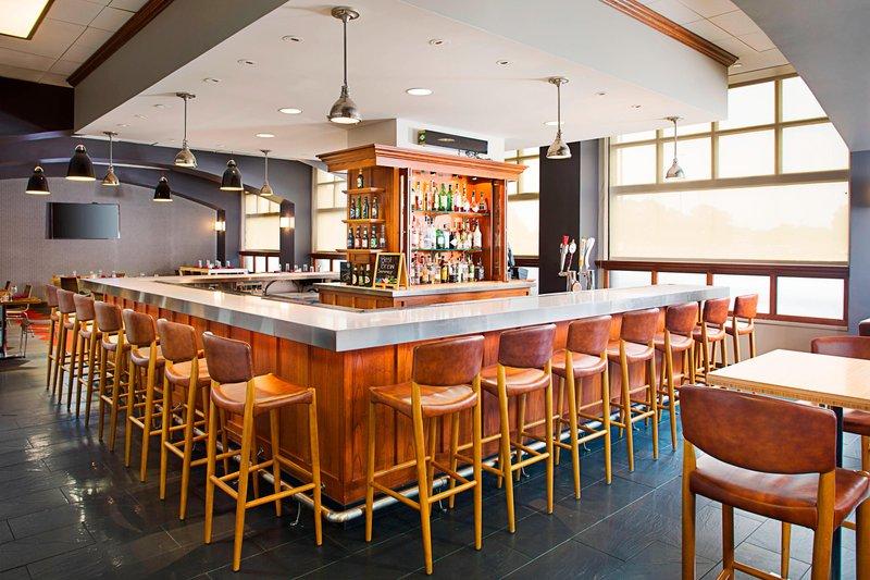 Four Points Philadelphia Airport-Bar<br/>Image from Leonardo