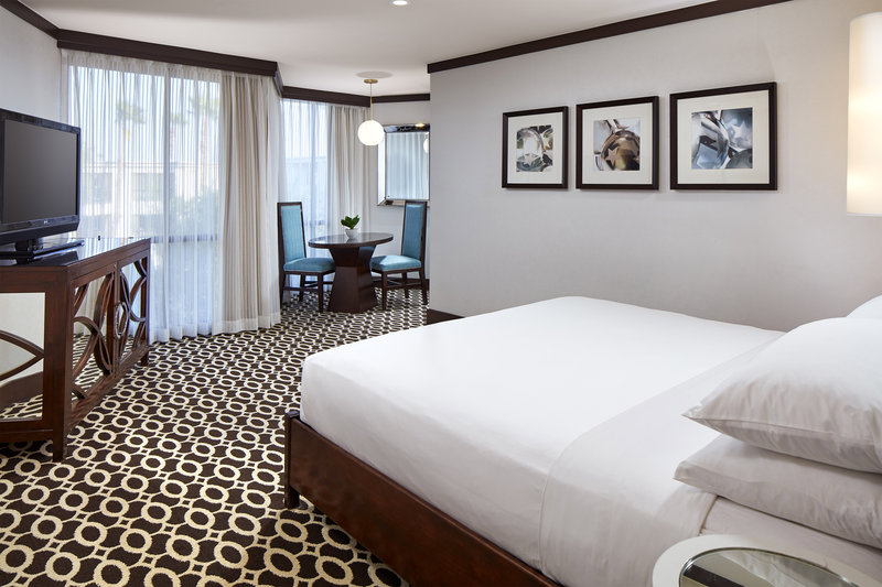 Riviera Palm Springs-King Grand Deluxe Guest Room<br/>Image from Leonardo