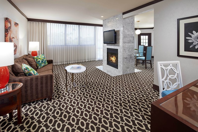 Riviera Palm Springs-One-Bedroom Deluxe King Suite<br/>Image from Leonardo