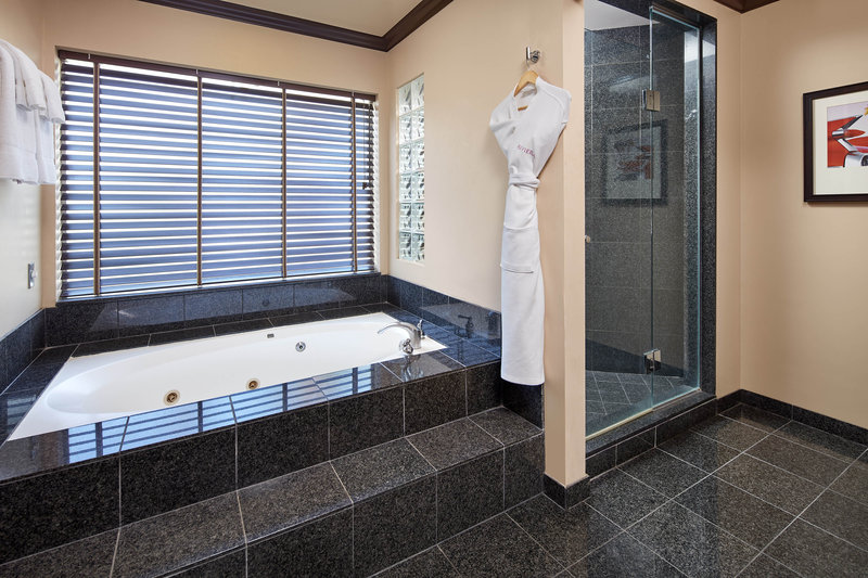 Riviera Palm Springs-Suite Bathroom<br/>Image from Leonardo