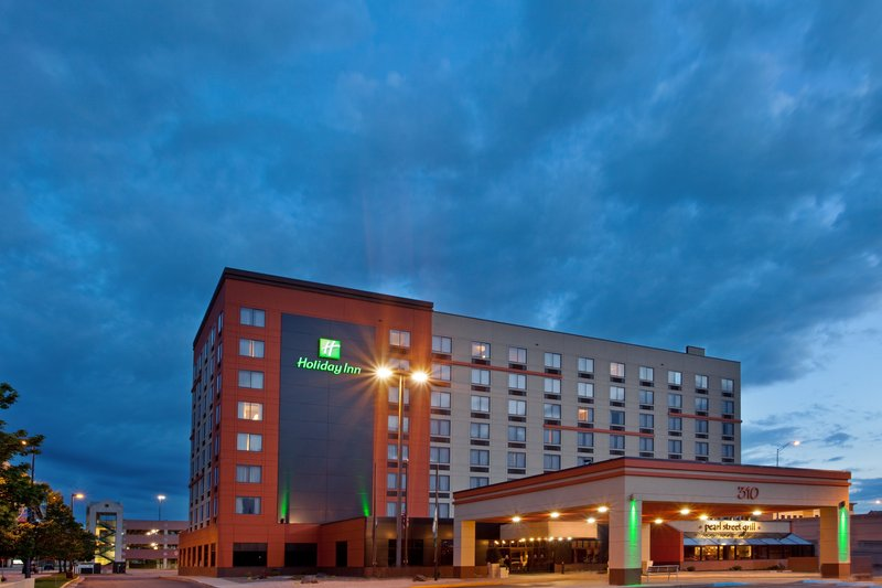 Holiday Inn Grand Rapids Downtown-Go explore the nightlife - your room will wait<br/>Image from Leonardo