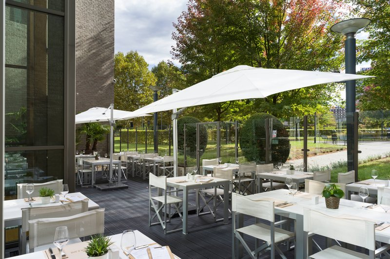 Courtyard Brussels-Kitchen & Bar<br/>Image from Leonardo