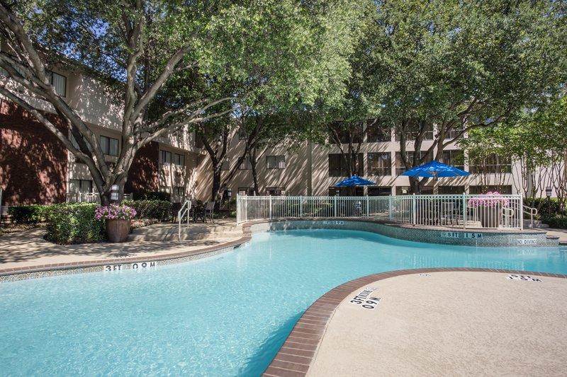 Crowne Plaza Dallas Galleria - Addison-Swimming Pool<br/>Image from Leonardo