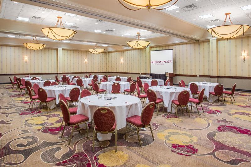 Crowne Plaza Dallas Galleria - Addison-Red Oak Room<br/>Image from Leonardo